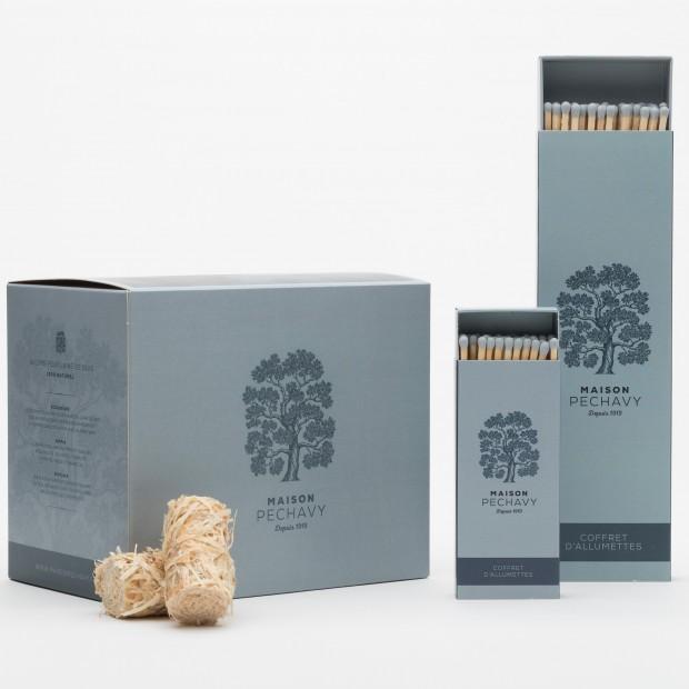 Indispensables composés de la boîte Bleu Orage de 60 allume-feux naturels et ses 2 boîtes d'allumettes (22 et 11 cm)